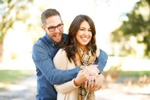 Happy couple with payday cash loan in Texas